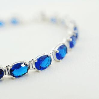 pulsera de plata con piedras azules