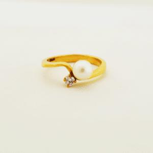 anillo con perla